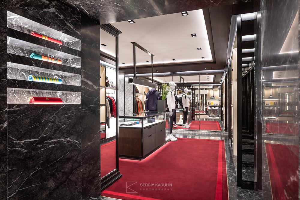 Фотосъемка интерьера бутика Moncler в Киеве.