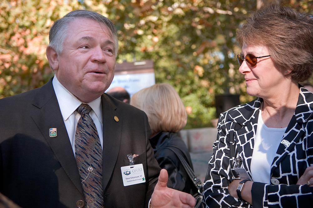 18414Academic & Research Center Groundbreaking September 29, 2007...Steve Shoonover & Kathy Krendl