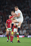 Twickenham, Great Britain,     left. Liam WILLIAMS and Owen FARRELL. jump for the high ball, during the Pool A Game, England vs Wales.  2015 Rugby World Cup, Venue, The RFU Stadium, Twickenham, Surrey, ENGLAND. Saturday   26/09/2015  [Mandatory Credit; Peter Spurrier/Intersport-images]
