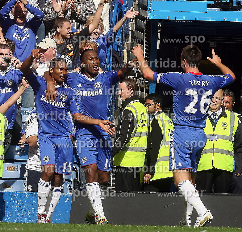 28.08.2010, Stamford Bridge, London, ENG, PL, FC Chelsea vs Stoke City, im Bild Florent Malouda of Chelsea  celebrates his goal. EXPA Pictures © 2010, PhotoCredit: EXPA/ IPS/ Marcello Pozzetti +++++ ATTENTION - OUT OF ENGLAND/UK +++++ / SPORTIDA PHOTO AGENCY