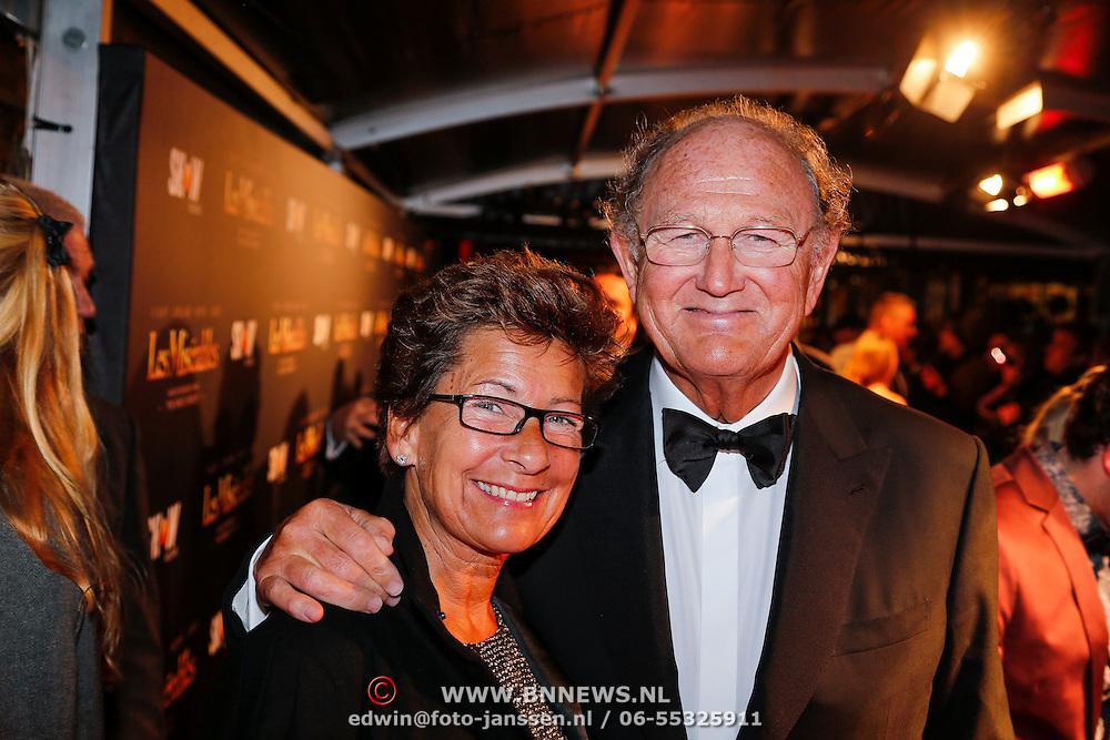NLD/Amsterdam/20130109 - Filmpremiere Les Misarables, Joop van den Ende en partner Janine Klijburg