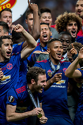 24-05-2017 SWE: Final Europa League AFC Ajax - Manchester United, Stockholm<br /> Finale Europa League tussen Ajax en Manchester United in het Friends Arena te Stockholm / Antonio Valencia(C) #20 of Manchester United met de Europa Cup trophy