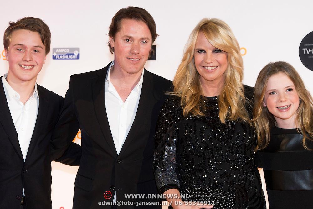 NLD/Amsterdam/20140303 - Uitreiking TV Beelden 2014, Julian Vahle, Jeroen Rietbergen, Linda de Mol en Noah Vahle