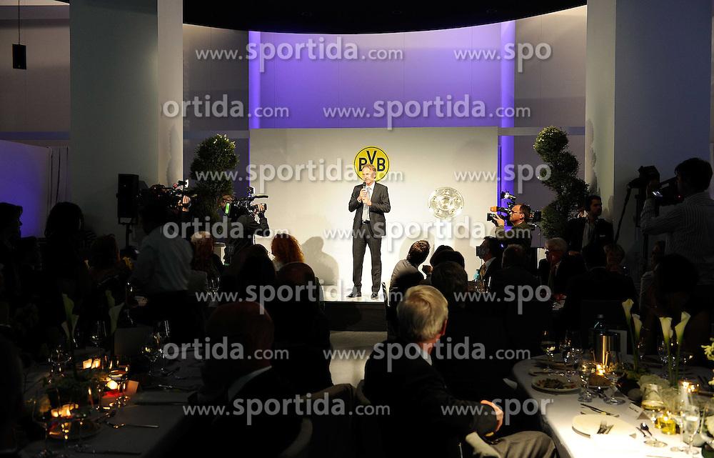 14.05.2011, U-Haus, Dortmund, GER, 1.FBL, Borussia Dortmund Meisterbankett im Bild PAnsprache von Geschäftsführer Hans-Joachim WATZKE //   German 1.Liga Football ,  Borussia Dortmund Championscelebration, Dortmund, 14/05/2011 . EXPA Pictures © 2011, PhotoCredit: EXPA/ nph/  Conny Kurth       ****** out of GER / SWE / CRO  / BEL ******