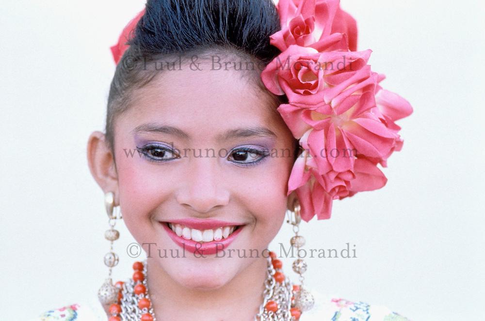 Mexique, Yucatan, Merida, Jeune fille Maya / Mexico, Yucatan state, young Maya girl.