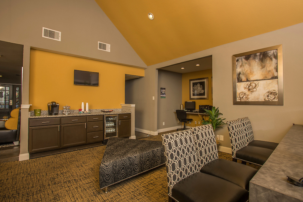 Photographs of the Sutter Creek Apartments in Arlington, Texas, for Dayrise.