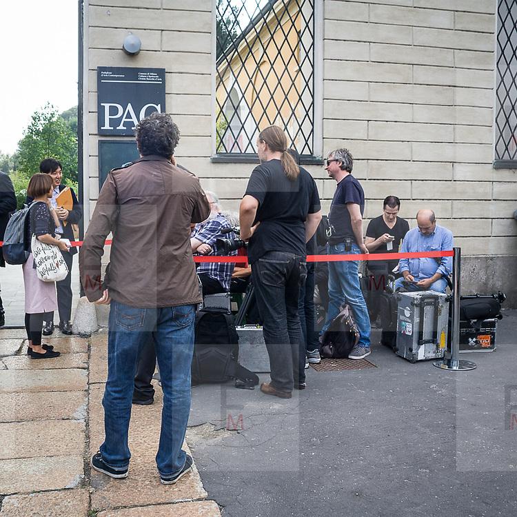 Terzo giorno della Settimana della Moda a Milano edizione 2013: alla Villa Reale per la sfilata Tod's<br /> <br /> Third day of Milan fashion week 2013 edition: at Villa Reale (Royal Villa of Milan) for the Tod's fashion show.