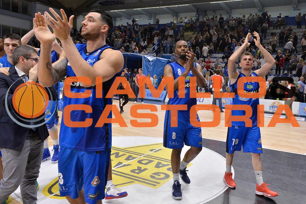 Christian Burns, Marcus Landry, Franko Bushati<br /> Vanoli Cremona - Germani Basket Brescia Leonessa<br /> Lega Basket Serie A 2016/2017<br /> Cremona, 09/04/2017<br /> Foto M.Ceretti / Ciamillo - Castoria