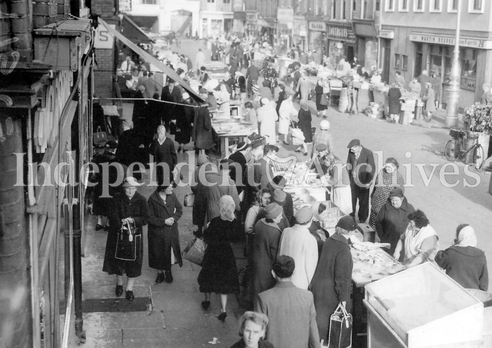 Moore Street, Dublin, October 27th 1961. (Part of the Independent Newspapers/NLI Collection)