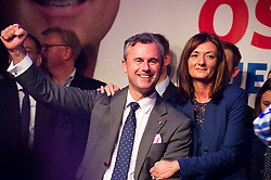 22.05.2016, Prater Alpendorf, Wien, AUT, FPÖ, Wahlfeier nach Stichwahl der Präsidentschaftswahl 2016, im Bild FPÖ-Präsidentschaftskandidat Norbert Hofer mit seiner Frau Verena // Candidate for Presidential Elections Norbert Hofer (Austrian Freedom Party) with his wife Verena during the after election party of the austrian freedom party due to the austrian presidential elections at Prater in Vienna, Austria on 2016/05/22, EXPA Pictures © 2016, PhotoCredit: EXPA/ Michael Gruber