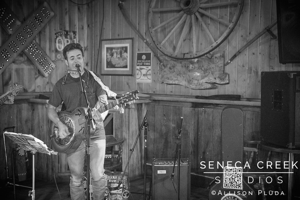 Nationally touring one man band Tom Bennett comes to Laramie for the first time and plays at the Buckhorn Bar for Friday Night Music