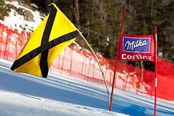 13.01.2012, Pista Olympia delle Tofane, Cortina, ITA, FIS Weltcup Ski Alpin, Damen, Abfahrt, 2. Training, im Bild Gelbe Fahne, wird verwendet um einem Läufer zu signalisieren dass er stoppen muß // during ladies downhill 2nd training of FIS Ski Alpine World Cup at 'Pista Olympia delle Tofane' course in Cortina, Italy on 2012/01/13. EXPA Pictures © 2012, PhotoCredit: EXPA/ Johann Groder