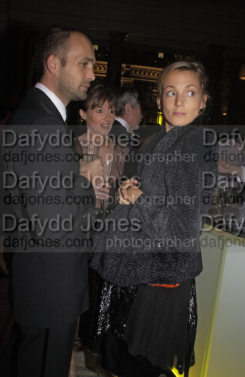 Max Wigram and Phoebe Philo, British Fashion Awards, V. & A. Museum. 2 November 2004. ONE TIME USE ONLY - DO NOT ARCHIVE  © Copyright Photograph by Dafydd Jones 66 Stockwell Park Rd. London SW9 0DA Tel 020 7733 0108 www.dafjones.com