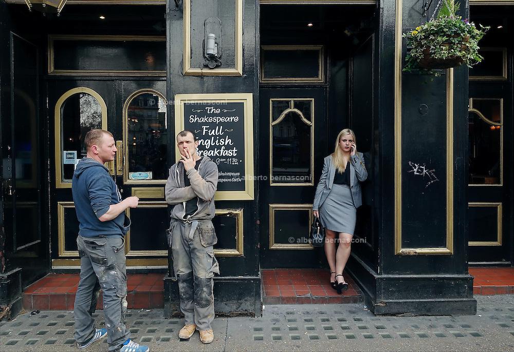 London, Victoria station, sheakspeare pub