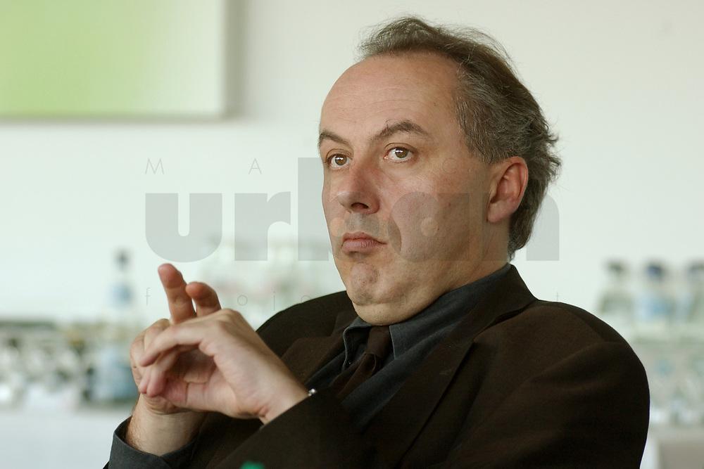 01 NOV 2002, BERLIN/GERMANY:<br /> Matthias Machnig, SPD Bundesgeschaeftsfuehrer, Workshop Strategien und Praxis in Wahlkampagnen, Sony Center<br /> IMAGE: 20021101-01-028<br /> KEYWORDS: