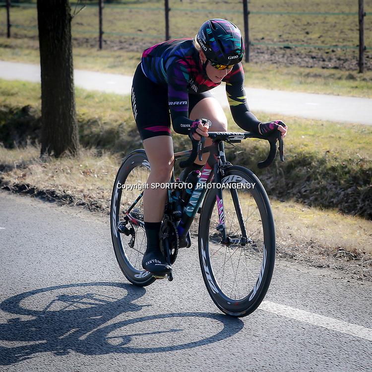 13-03-2016: Wielrennen: Acht van Dwingeloo: Dwingeloo<br />DWINGELOO (NED) wielrennen<br />Tiffany Cromwell