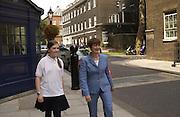 Tessa Jowell and her shadow, Lydia Burchill. National Children's Art Day. 5 July 2001. © Copyright Photograph by Dafydd Jones 66 Stockwell Park Rd. London SW9 0DA Tel 020 7733 0108 www.dafjones.com