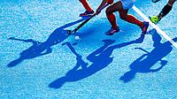 Londen - schaduwen op het veld tijdens de cross over wedstrijd India-Italie (3-0) bij het WK Hockey 2018 in Londen . In  COPYRIGHT KOEN SUYK