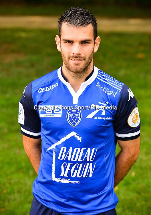 Yoann COURT - 02.09.2015 - Photo Officielle de Troyes - Ligue 1<br /> Photo : Dave Winter / Icon Sport