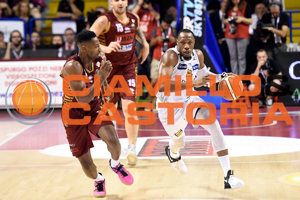 Dominique Sutton<br /> Umana Reyer Venezia - Dolomiti Energia Aquila Basket Trento<br /> Lega Basket Serie A 2016/2017<br /> Playoff, finale gara 2<br /> Venezia, 12/06/2017<br /> Foto M.Ceretti / Ciamillo-Castoria