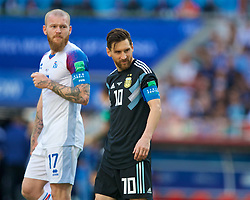 MOSCOW, RUSSIA - Saturday, June 16, 2018: Iceland's Aron Gunnarsson (left) and Argentina's Lionel Messi during the FIFA World Cup Russia 2018 Group D match between Argentina and Iceland at the Spartak Stadium. (Pic by David Rawcliffe/Propaganda)