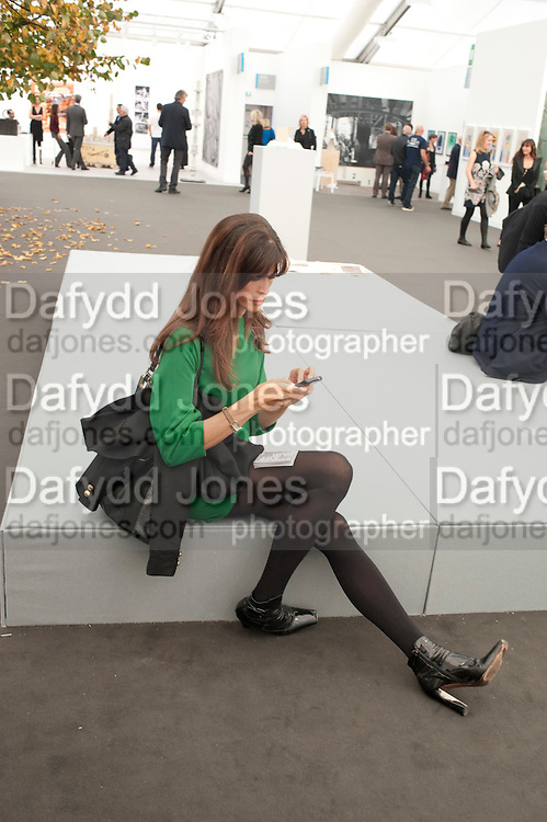 LISA B, OPENING OF FRIEZE ART FAIR. Regent's Park. London.  12 October 2011. <br /> <br />  , -DO NOT ARCHIVE-&copy; Copyright Photograph by Dafydd Jones. 248 Clapham Rd. London SW9 0PZ. Tel 0207 820 0771. www.dafjones.com.