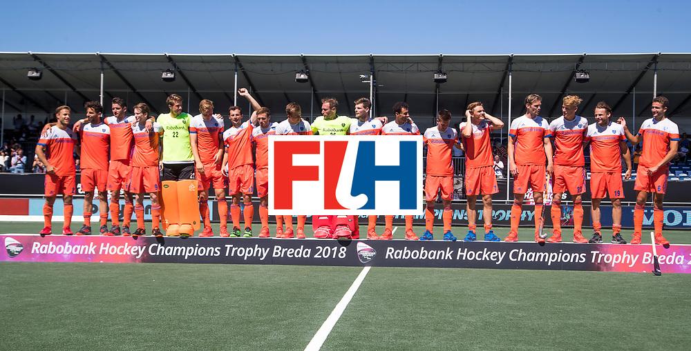 BREDA -  Oranje met brons   na  de wedstrijd om brons tussen Nederland en Argentinie (2-0) bij de Hockey Champions Trophy.  COPYRIGHT KOEN SUYK
