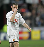 Photo: Lee Earle.<br /> Lille v Manchester Utd. UEFA Champions League.<br /> 02/11/2005. United's Wayne Rooney looks dejected as they trail to Lille.
