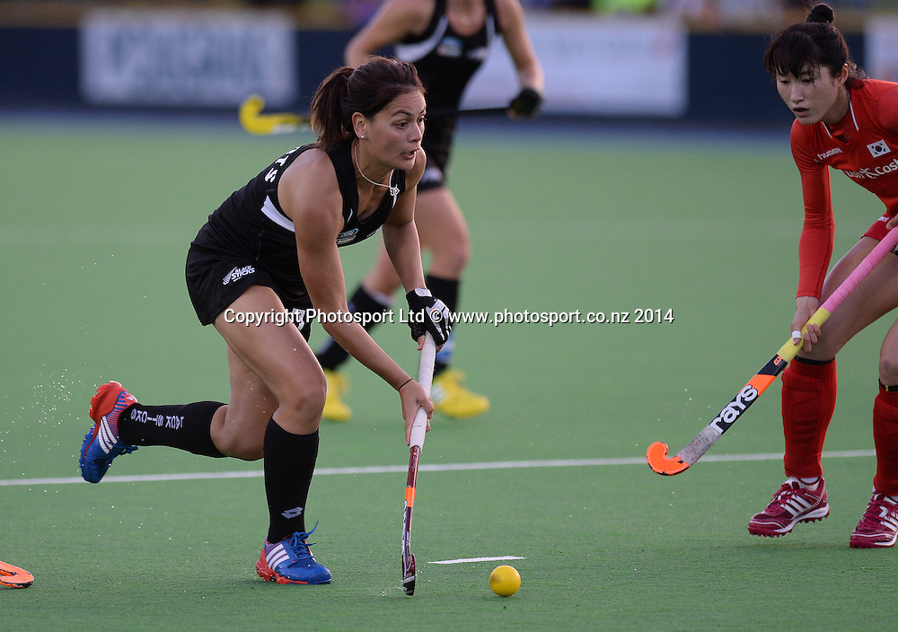 Aniwaka Roberts on the attack. International Womens Hockey. New Zealand Black Sticks v Korea. Auckland. New Zealand. Friday 28 March 2014. Photo: Andrew Cornaga / www.photosport.co.nz