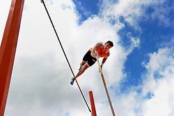 29-07-2010 ATLETIEK: EUROPEAN ATHLETICS CHAMPIONSHIPS: BARCELONA<br /> Tienkamper Eelco Sintnicolaas heeft op de EK atletiek het podium in zicht. De 23-jarige atleet won het achtste onderdeel, het polsstokhoogspringen, met overmacht. <br /> ©2010-WWW.FOTOHOOGENDOORN.NL