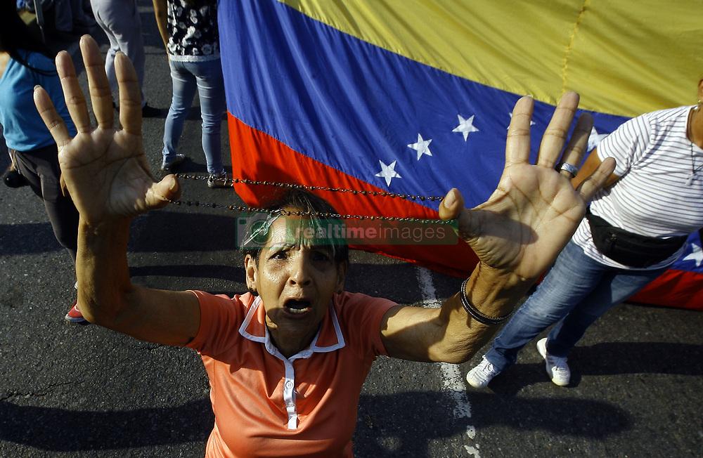 April 30, 2019 - Valencia, Carabobo, Venezuela - The Venezuelans start a new protest against Maduro. The interim president Juan Guaido call to take the street in all Venezuela. This photos ar from the Valencia city, Carabobo state.  (Credit Image: © Juan Carlos Hernandez/ZUMA Wire)