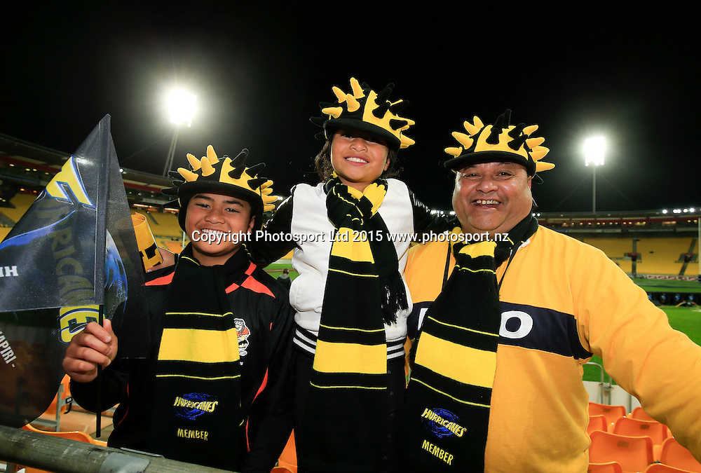 Hurricanes fans. Super Rugby Final, Hurricanes v Highlanders. Westpac Stadium, Wellington, New Zealand. 4 July 2015. Copyright Photo: John Cowpland / www.photosport.nz