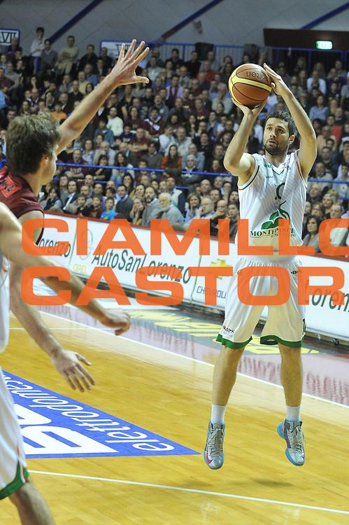 DESCRIZIONE : Venezia Lega A 2012-13 Umana Reyer Venezia Montepaschi Siena <br /> GIOCATORE : aleksander rasic<br /> CATEGORIA : tiro<br /> SQUADRA : Umana Reyer Venezia Montepaschi Siena <br /> EVENTO : Campionato Lega A 2012-2013 <br /> GARA : Umana Reyer Venezia Montepaschi Siena <br /> DATA : 30/12/2012<br /> SPORT : Pallacanestro <br /> AUTORE : Agenzia Ciamillo-Castoria/M.Gregolin<br /> Galleria : Lega Basket A 2012-2013  <br /> Fotonotizia : Venezia Lega A 2012-13 Umana Reyer Venezia Montepaschi Siena <br /> Predefinita :