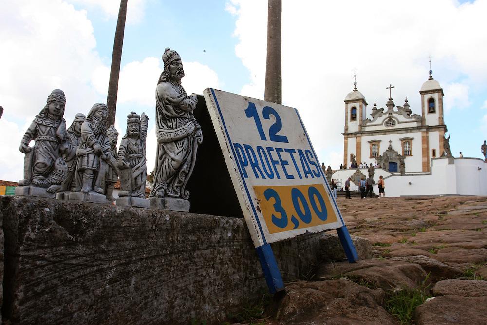 Congonhas_MG, Brasil...Venda de artesanato no santuario de Bom Jesus do Matosinhos...The craft sale in the Bom Jesus do Matosinhos sanctuary...Foto: LEO DRUMOND / NITRO