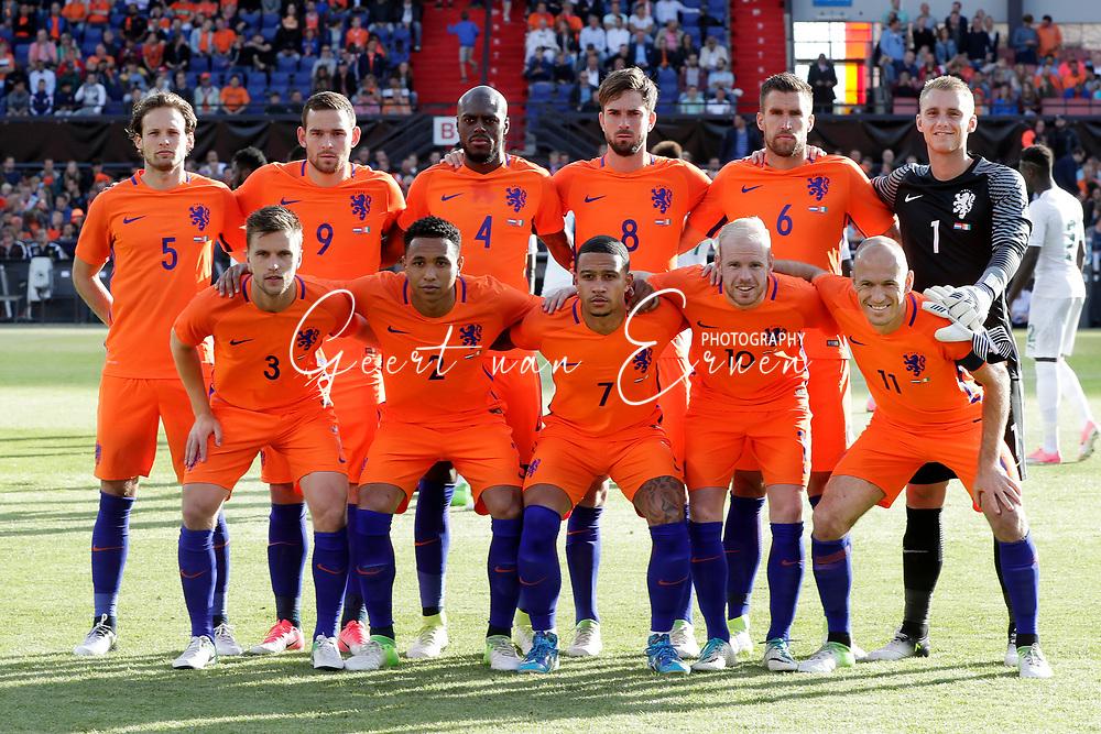04-06-2017 VOETBAL:NEDERLAND-IVOORKUST:ROTTERDAM<br /> Oranje oefende tegen Ivoorkust vanavond in De Kuip<br /> <br /> De elftalfoto van oranje met (vlnr) Daley Blind van Oranje (Manchester United) Vincent Janssen van Oranje (Tottenham Hotspur) Bruno Martins Indi van Oranje (Stoke City) Davy Propper van Oranje (PSV) Kevin Strootman van Oranje (AS Roma) en Doelman Jasper Cillesen van Oranje (Barcelona) (onder) Joel Veltman van Oranje (Ajax) Kenny Tete van Oranje (Ajax) Memphis Depay van Oranje (Olympic Lyon) Davy Klaassen van Oranje (Ajax) en Arjen Robben van Oranje (Bayern Munchen) <br /> <br /> Foto: Geert van Erven