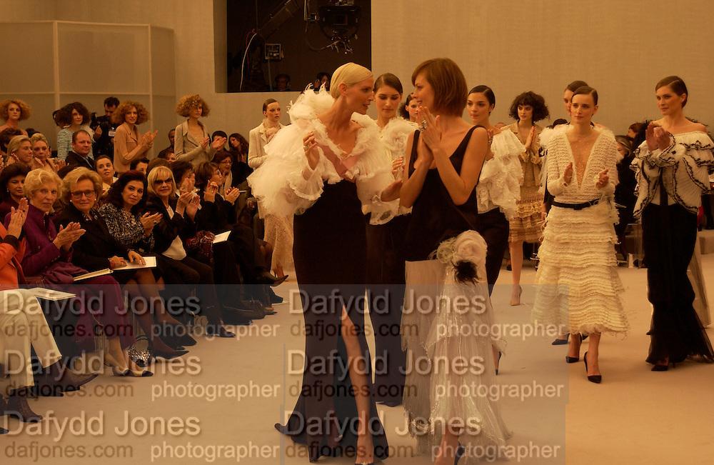 Chanel couture show, Paris 20 January 2004. © Copyright Photograph by Dafydd Jones 66 Stockwell Park Rd. London SW9 0DA Tel 020 7733 0108 www.dafjones.com