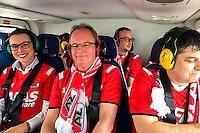 ALKMAAR - 02-04-2016, AZ - PSV, AFAS Stadion, 2-4, AZ fans per helikopter naar de wedstrijd.