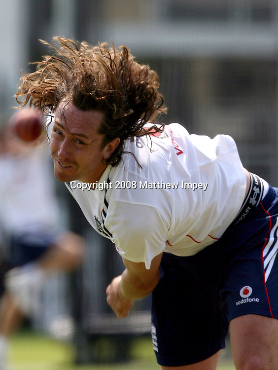 Ryan Sidebottom bowls in the nets. England cricket training. Lord's Cricket Ground, St.Johns Wood, London, England. 13 May 2008. Photo: Matthew Impey/PHOTOSPORT