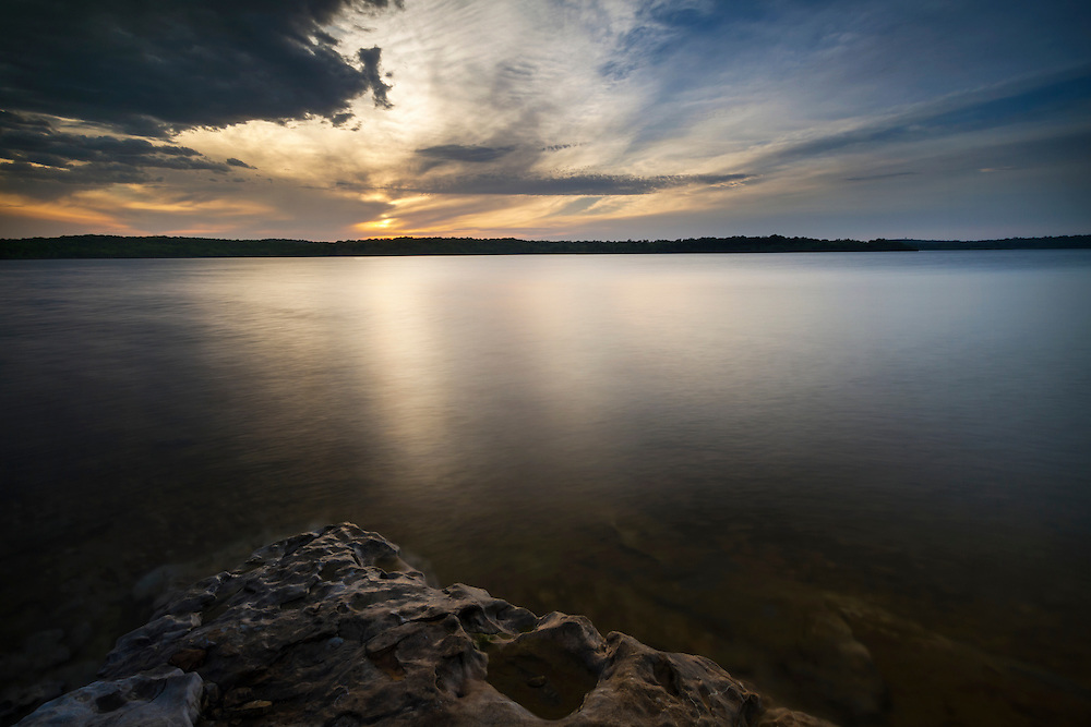 Late afternoon along the shore of Stockton Lake during spring.