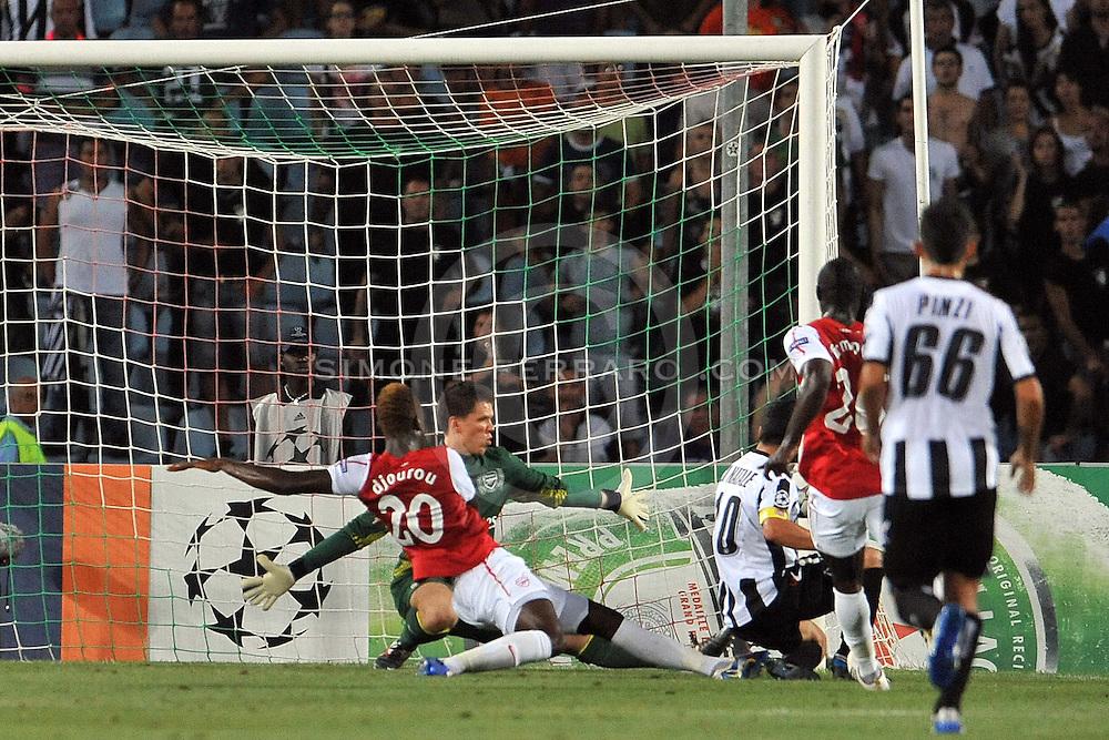 Udine, 24 Agosto 2011.Preliminare UEFA Champions League 2011/2012.Udinese vs Arsenal. Stadio Friuli..Nella Foto: palo di Antonio Di Natale..© foto di Simone Ferraro