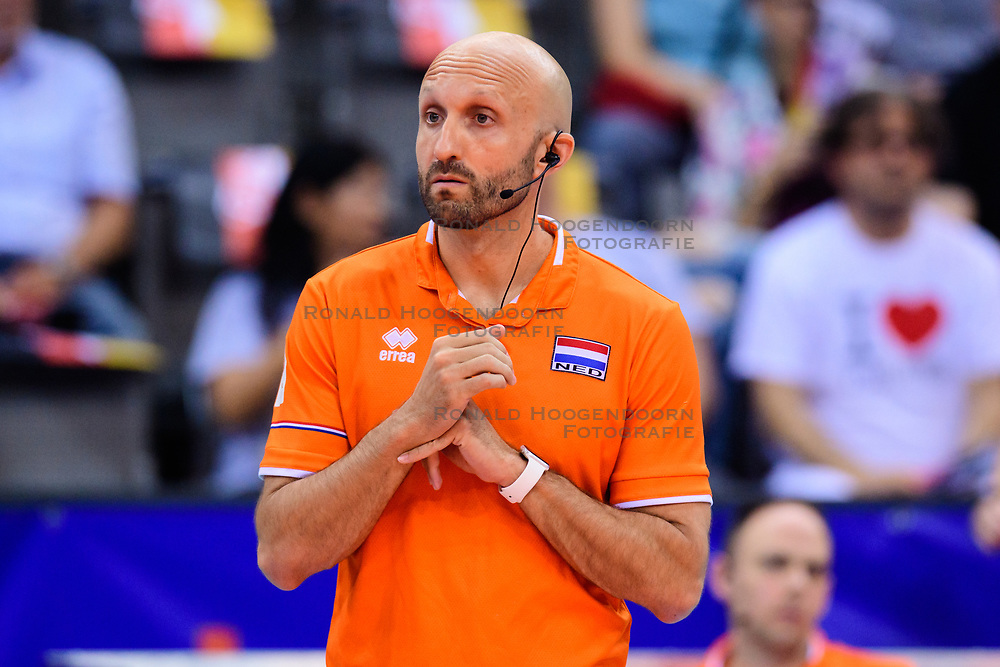 12.06.2018, Porsche Arena, Stuttgart<br /> Volleyball, Volleyball Nations League, Türkei / Tuerkei vs. Niederlande<br /> <br /> Jamie Morrison (Trainer NED)<br /> <br /> Foto: Conny Kurth / www.kurth-media.de