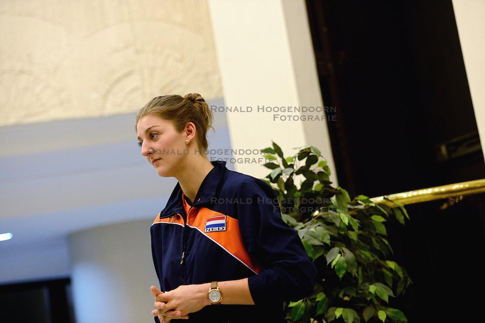 05-01-2016 TUR: European Olympic Qualification Tournament Persmoment, Ankara <br /> In het spelershotel was er een moment voor de pers / Anne Buijs #11 geïnterviewd door telegraaf media