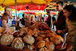 UK ENGLAND LONDON 16MAR07 - Fresh bread on sale at the historic Borough Market in Southwark, London...jre/Photo by Jiri Rezac..© Jiri Rezac 2007..Contact: +44 (0) 7050 110 417.Mobile:  +44 (0) 7801 337 683.Office:  +44 (0) 20 8968 9635..Email:   jiri@jirirezac.com.Web:    www.jirirezac.com..© All images Jiri Rezac 2007 - All rights reserved.