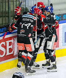 21.02.2018, Tiroler Wasserkraft Arena, Innsbruck, AUT, EBEL, HC TWK Innsbruck die Haie vs EHC Liwest Black Wings Linz, 5. Platzierungsrunde, im Bild Torjubel HC TWK Innsbruck die Haie nach dem 1:2 durch John Lammers (HC TWK Innsbruck  die Haie) // during the Erste Bank Erste Bank Icehockey 5th placement round match between HC TWK Innsbruck  die Haie and EHC Liwest Black Wings Linz at the Tiroler Wasserkraft Arena in Innsbruck, Austria on 2018/02/21. EXPA Pictures © 2018, PhotoCredit: EXPA/ Jakob Gruber