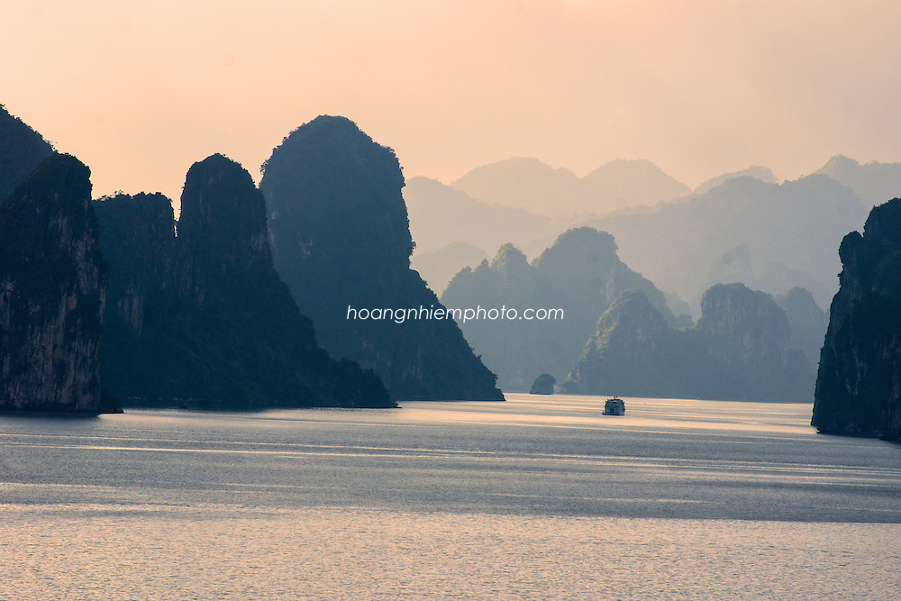 Vietnam images-landscape-Ha Long bay-Natural heritage