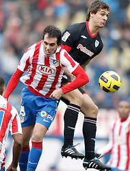 30.01.2011, Vicente Calderon Stadion, Madrid, ESP, Primera Division, Atletico Madrid vs Athletic Bilbao, im Bild Atletico de Madrid's Diego Godin against Athletic de Bilbao's Fernando Llorente  // during the primera division liga match Atletico Madrid vs Athletic Bilbao at Vicente Calderon Stadion, Madrid, Spain, 30/1/2011. EXPA Pictures © 2011, PhotoCredit: EXPA/ Alterphotos/ Ricardo Ordonez +++++ ATTENTION - OUT OF SPAIN / ESP +++++.