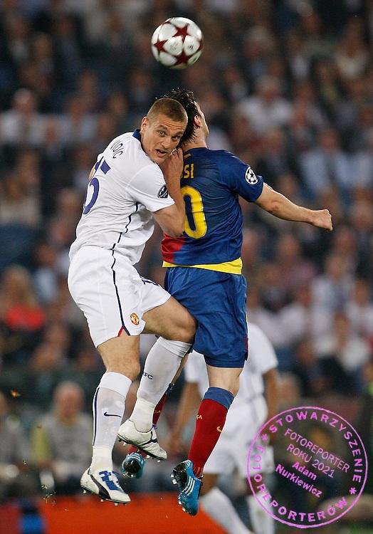 ROME 27/05/2009.Uefa Champions League - Final.Manchester United v Fc Barcelona.Nemanja Vidic of Manchester United wins the header from Lionel Messi of Barcelona ..Fot. Piotr Hawalej / WROFOTO