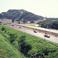 Autopista Caracas-Valencia, Venezuela.