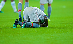 LONDON, ENGLAND - Monday, February 4, 2019: Liverpool's Sadio Mane kneels to pray as he celebrates scoring the first goal during the FA Premier League match between West Ham United FC and Liverpool FC at the London Stadium. (Pic by David Rawcliffe/Propaganda)
