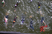 TRIATHLON<br /> SWIM START<br /> Downer NZ Masters Games 2019<br /> WHANGANUI, NEW ZEALAND<br /> 1 Feb 2019<br /> Photo KEVIN CLARKE CMGSPORT<br /> WWW.CMGSPORT.CO.NZ